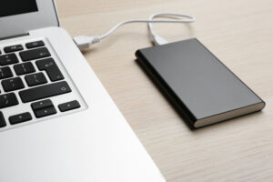 how to charge laptop battery manually by power bank by 100laptops.com